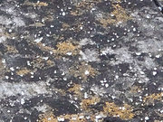 東京や千葉、神奈川などで弱い雪がちらつく 一部では小さい氷の粒のあられも