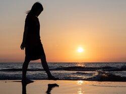 夏の時期の気分の落ち込み 「夏季うつ病」とは
