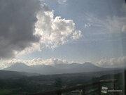 霧島山・新燃岳で継続時間の長い火山性微動 傾斜の変動も