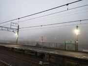 大阪など西日本の広範囲で濃霧 電車の遅延も発生