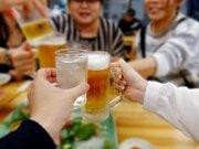 飲食店の4割「今年、値上げする」 アルコールメニューは「4月に改定」が多い傾向?