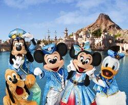 画像:ミッキーやミニーが全国15都市のお祭りに参加!ディズニーシー15周年スペシャルパレードを開催!(C)Disney