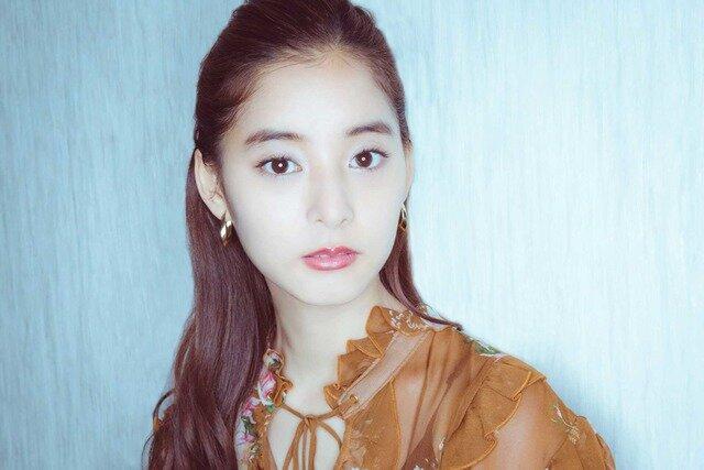 長い髪が素敵な新木優子さん
