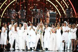 画像:グラミー賞は「白」でセクハラ抗議!ケシャ&エルトンらがパフォーマンス