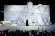 『スター・ウォーズ』最新作12月20日公開決定!さっぽろ雪まつりで発表