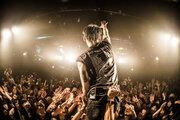 MIYAVI、ワールドツアー初日にhide「ピンク スパイダー」のカバーを披露