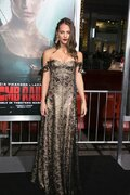 アリシア・ヴィキャンデル「近いうちに来日したい」ファンにメッセージ!『トゥームレイダー』USプレミア