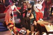 稲垣&草なぎ&香取のド派手なショーを堪能!『クソ野郎と美しき世界』公開