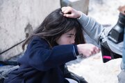 """山田杏奈「""""眼力""""を込めて」『ミスミソウ』メイキング写真解禁、ミニシアターランキングで第2位"""