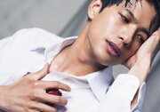 俺はガンダムでいく!!『レディプレ』ダイトウ役で話題の森崎ウィン1stビジュアル&インタビューブック発売