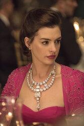 画像:アン・ハサウェイ、1億ドル超えの激レア宝石もかすむ美しさ!『オーシャンズ8』