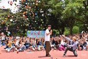 竹内涼真、佐藤大樹が青学でフラッシュモブ!『センセイ君主』主題歌でノリノリダンス!