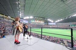 画像:瀬川あやかが札幌ドームで生歌唱