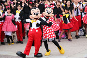 【ディズニー】ミキミニ仮装ゲスト500名がパーク大集合!Dハロ20周年の特別企画開催!