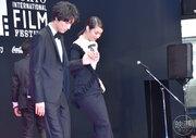 『旅猫リポート』福士蒼汰、広瀬アリスを紳士にエスコート|第31回東京国際映画祭