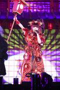 きゃりー、初のハロウィン単独公演で日本の妖怪たちとパフォーマンス!