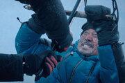 役所広司、俳優人生41年でかつてない肉弾戦『オーバー・エベレスト』雪上バトル映像