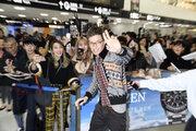 エディら『ファンタビ』キャスト陣が日本到着!「映画はサプライズがいっぱいだよ」