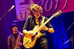 画像:TAKUROソロツアー初日、GLAY「あなたといきてゆく」合唱も!