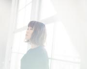 丸本莉子、カバーアルバムでオリジナルアーティストたちとコラボ