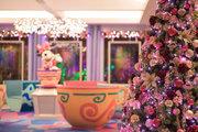 【ディズニー】隠れミッキーもある!? セレブレーションホテルのクリスマス装飾初登場
