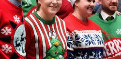 画像:今年もアグリーセーター祭り!セレブが家族と過ごしたクリスマス