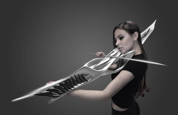 MONAD Studio/SFの武器みたいな近未来的な電子バイオリン