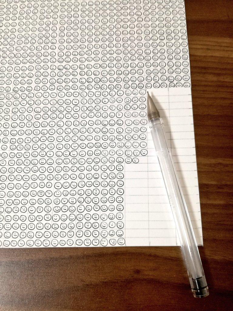 スマイルを何個描けるかでボールペンのインク量を調べた自由研究