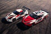 復活間近の新型『トヨタ・スープラ』。先行発表された2台のレーシング仕様車を比較