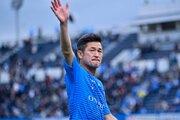 三浦知良が横浜FCと契約更新! プロ生活は前人未到の36年目に