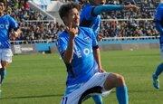 三浦知良が横浜FCと契約更新! プロ生活33年目に突入「どんな時もサッカーに全力」
