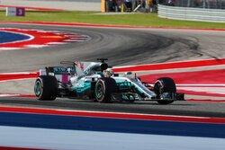 画像:ハミルトン、広すぎるランオフエリアを批判。「F1にはドニントンのようなコースがない」