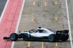 画像:メルセデス、2018年型『F1 W09 EQ Power+』のシェイクダウンをスタート