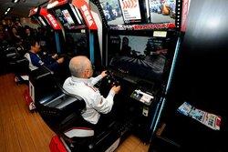 画像:スーパーGT公式ゲーム『SEGA World Drivers Championship』が3月14日より全国で順次稼働
