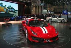 画像:フェラーリ、最新V8ロードカー『488ピスタ』初披露。高次元の性能はレース由来