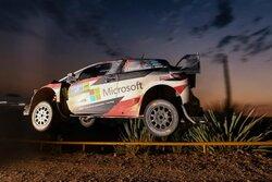 画像:WRC:トヨタ、メキシコ3日目でタナクが表彰台圏内に。「ヤリス全車が速さと信頼性を発揮」
