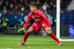 画像:アーセナル、19歳GKラフォン獲得に迫る…仏リーグ史上最年少出場