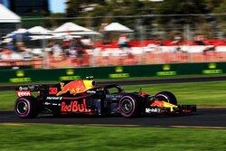 画像:フェルスタッペン「メルセデスは強いが僕らのペースもいい。雨が降れば面白くなる」レッドブル F1オーストラリアGP金曜
