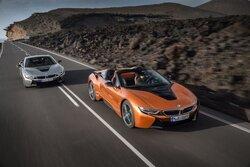 画像:ロードスターも追加。プラグインハイブリッドスポーツ、新型『BMW i8』が登場