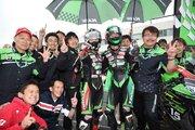 カワサキ、大逆転でワン・ツーフィニッシュ。渡辺一馬が8年ぶりに優勝もたらす/全日本ロード第3戦オートポリス決勝