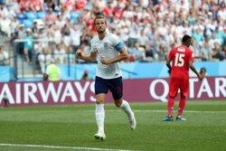 画像:ケインがハットトリック! イングランド、大量6得点でパナマに快勝
