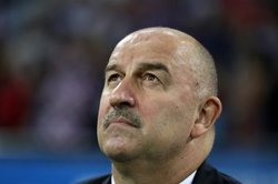 画像:ロシア代表監督、準々決勝敗退もチームに誇り「国中が愛してくれている」