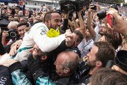 画像:ハミルトン、14番グリッドから優勝「諦めなかったことで実現した、夢のようなレース」:F1ドイツGP日曜