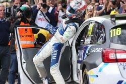 画像:BTCC:スバル・レヴォーグ2連勝も、ホンダ・シビックが最後に選手権首位奪還