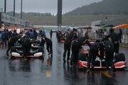 突然の豪雨と落雷にチームもメディアも大慌て/SFもてぎ予選日トピックス