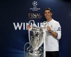 画像:UEFA最優秀選手賞はC・ロナウドが受賞! 5季連続得点王&レアルのCL連覇に貢献