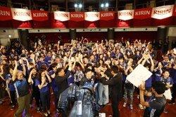 画像:香川照之が日本初、勝利の祝杯生CMに出演「日本の強さに感動」
