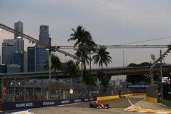 画像:【動画】中盤エリクソンがクラッシュし赤旗/F1シンガポールGPフリー走行3回目ハイライト