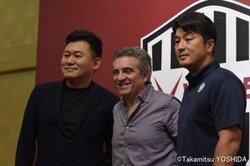 画像:神戸が記者会見を実施…リージョ新監督は「日本に興味を持っていた」と明かす
