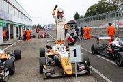 全日本F3選手権第16戦SUGO:坪井の連勝止まらず。今季13勝目をポール・トゥ・ウインで飾る